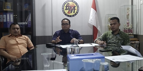 Bupati Meranti Dilaporkan ke KPK dan Polres