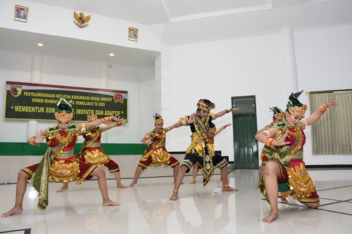 Dongkrak Budaya Nusantara Melalui Komsos Kreatif