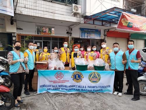 Paramita Foundation Riau Bagikan 500 Takjil Buka Puasa