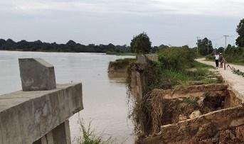 Jaksa Pelajari Ambruknya Turap Danau Tajwin Pelalawan